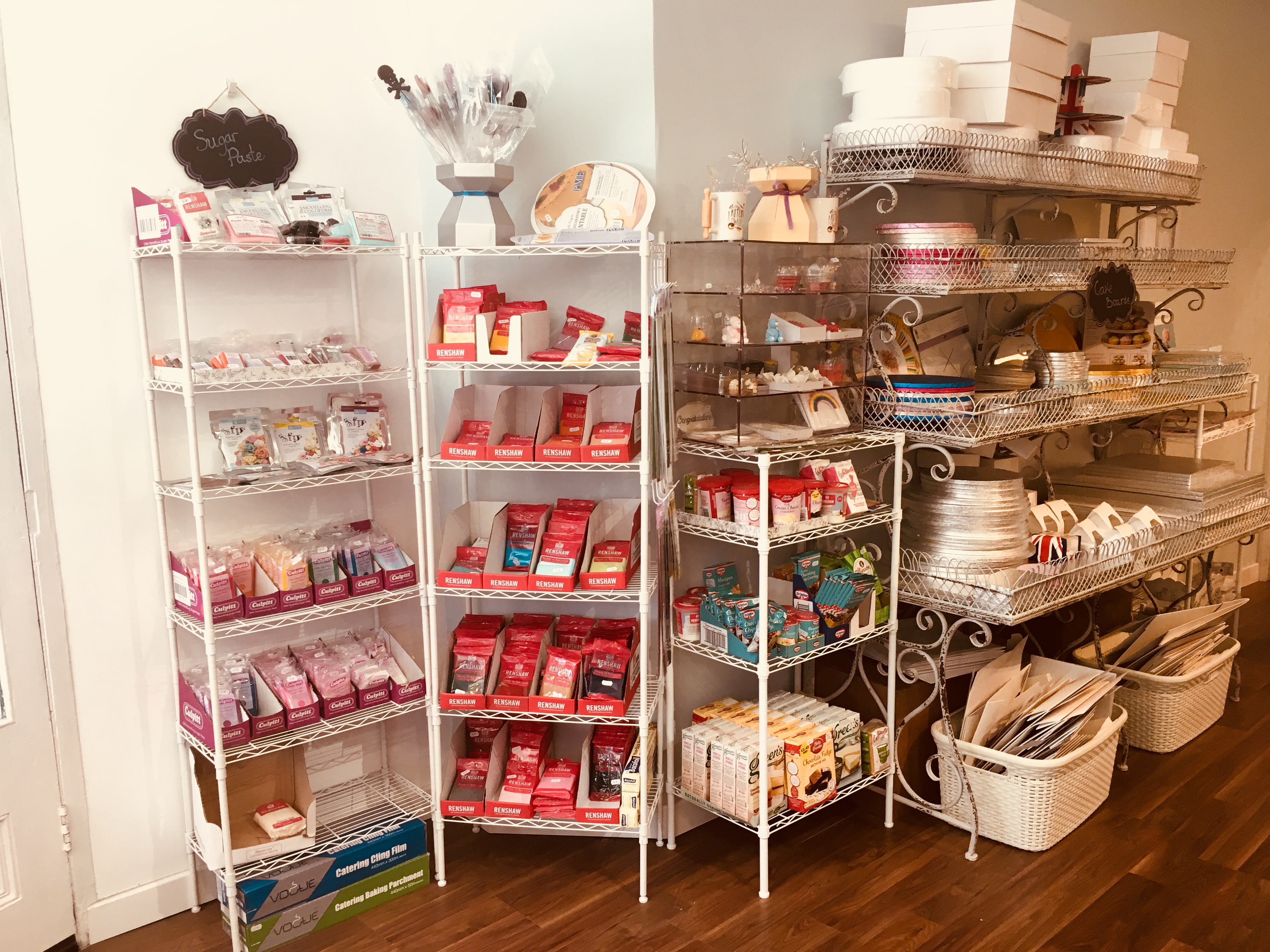 Cake decorating supplies - Rochester Cakes Ltd Cake ...
